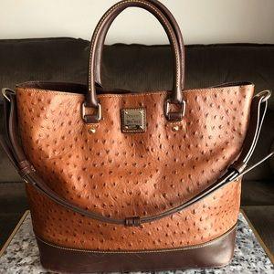 🧡Dooney and Bourke🧡 Large ostrich shoulder bag